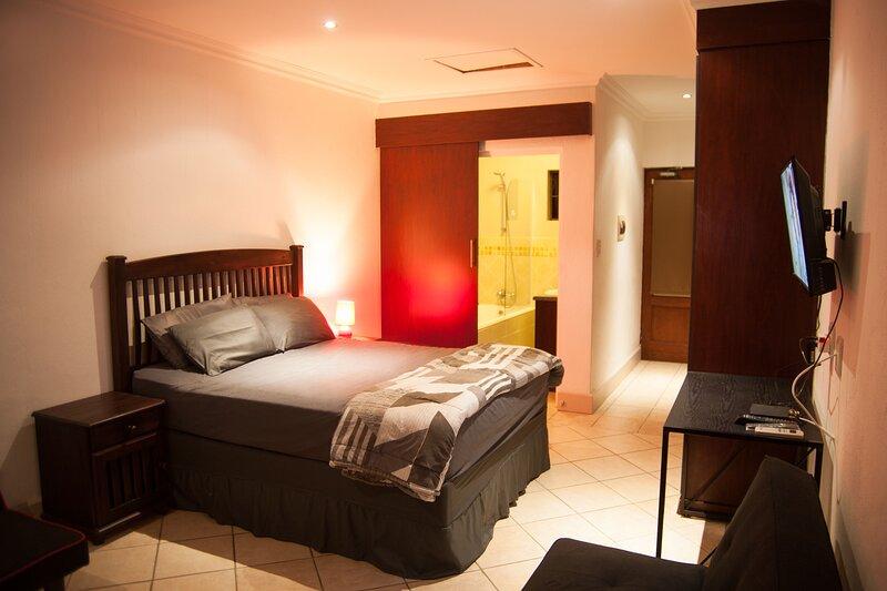 B12 Ocean Villas, vacation rental in Port Edward