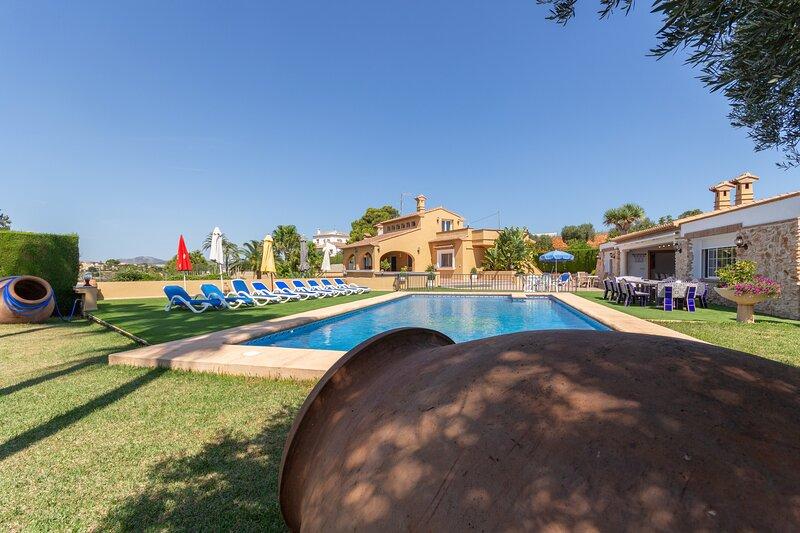 Villa Benimarco - Costa CarpeDiem, holiday rental in Llosa de Camacho