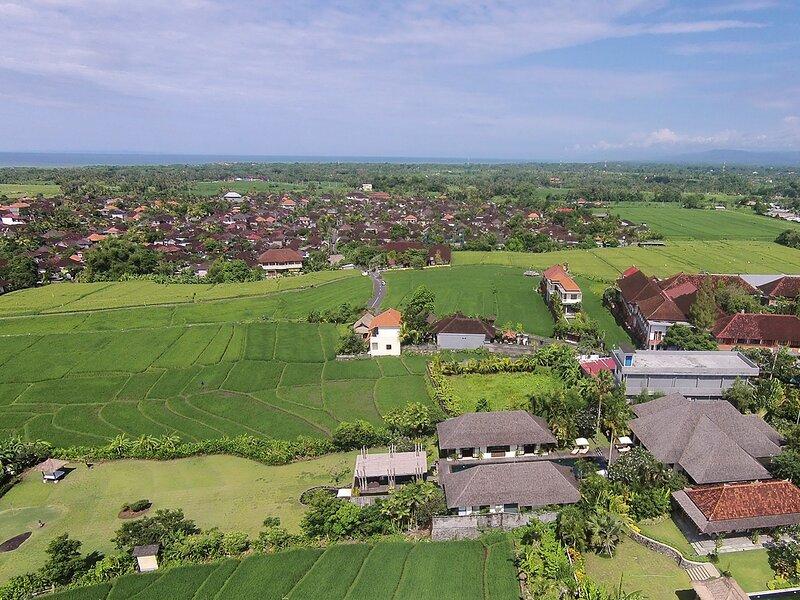 Villa Mandalay - West facing aerial