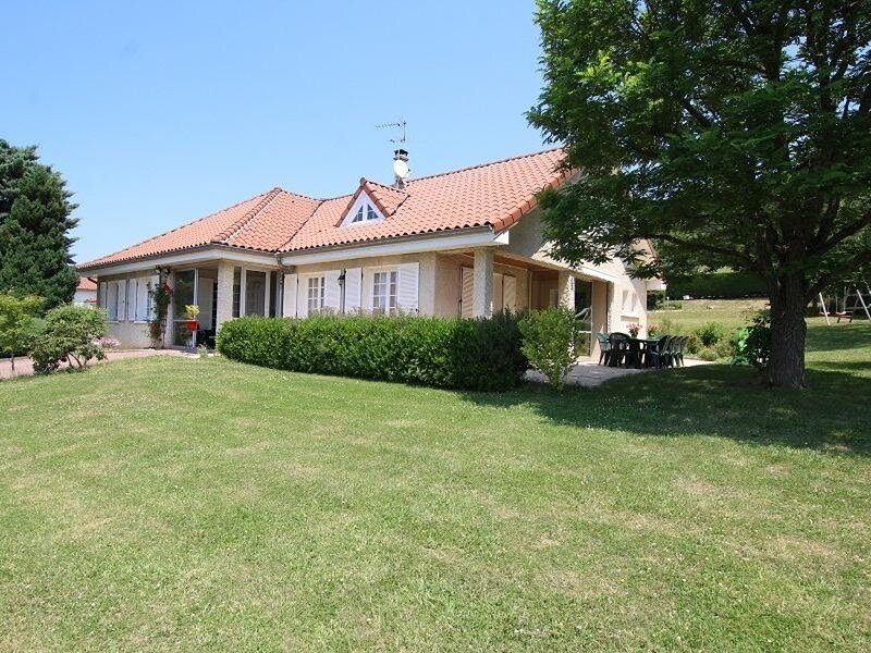 Villa Belvezain, holiday rental in Saint-Hostien