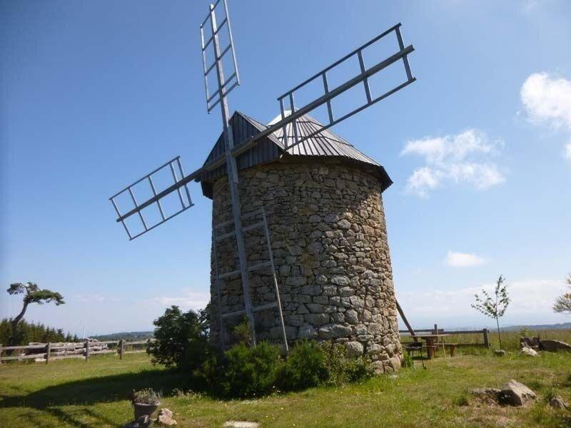 Les Moulins d'Ally 2, location de vacances à Saint-Beauzire