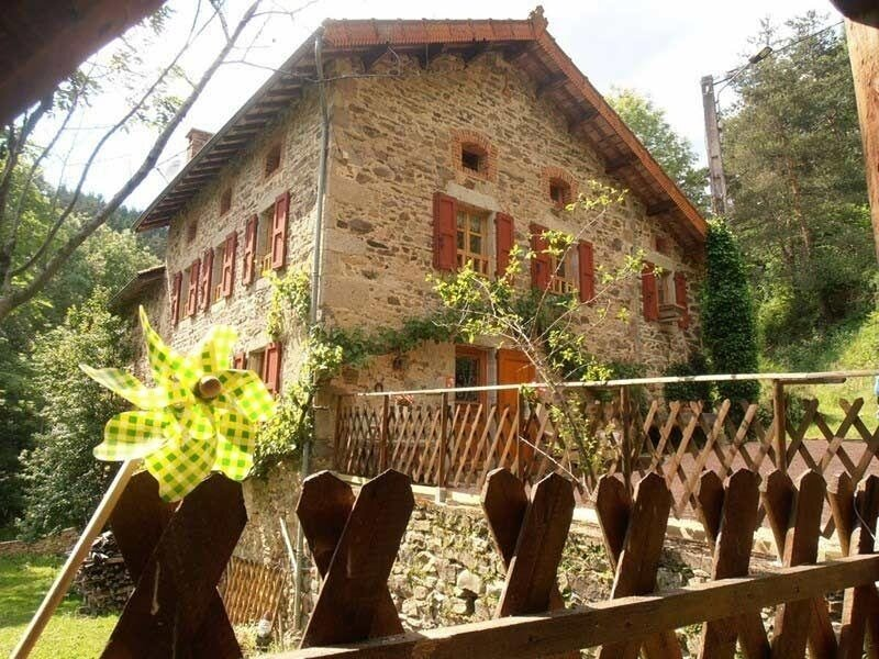 Le Moulin du Vialard, holiday rental in Sembadel