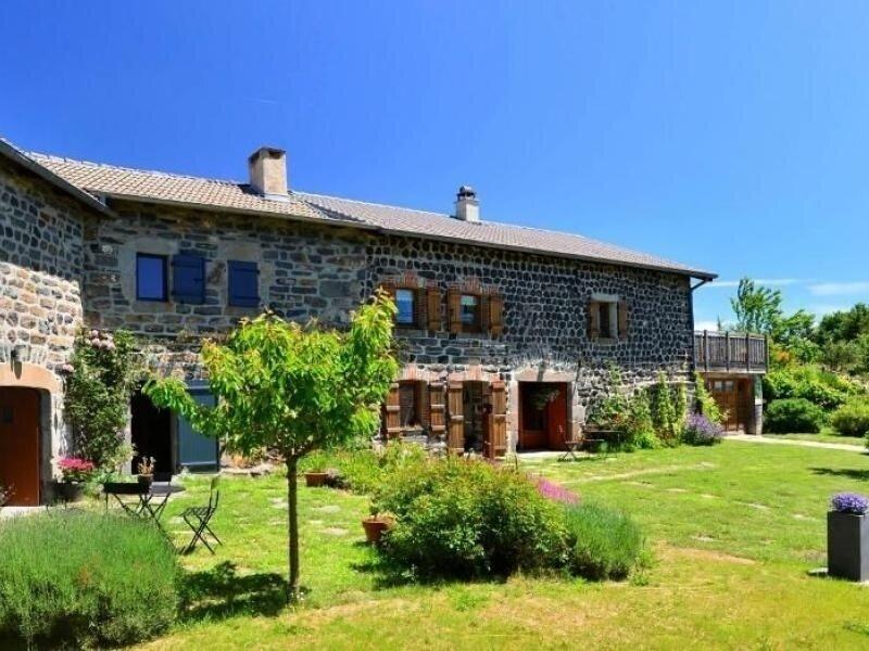 Location Gîte Araules, 3 pièces, 4 personnes, holiday rental in Saint-Hostien