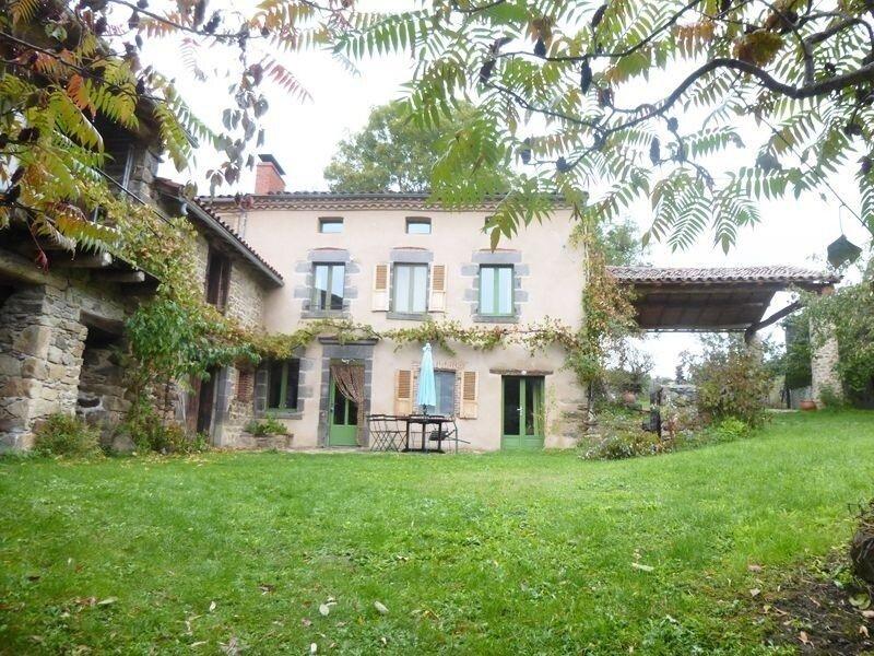 La Maison de Marguerite, location de vacances à Saint-Beauzire