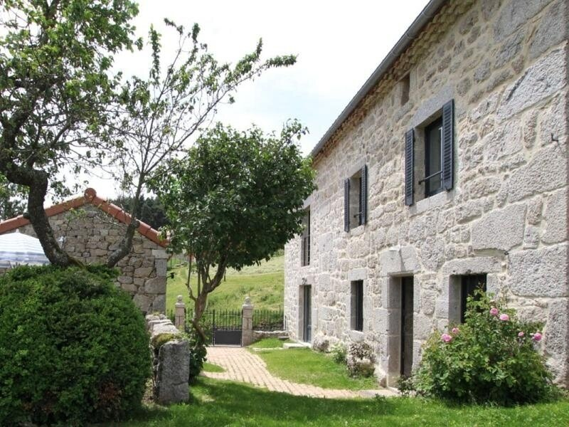 La maison de la Rose, holiday rental in Saint-Alban-sur-Limagnole