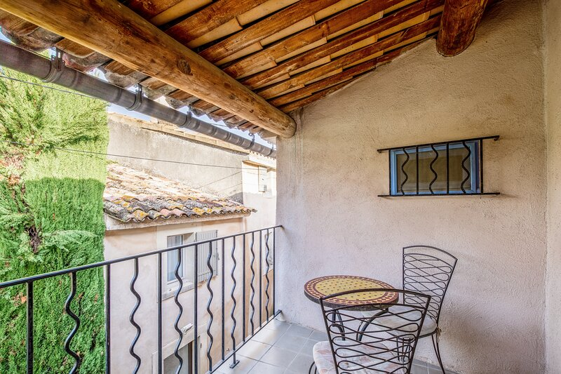 Nice house in Bonnieux & Wifi, holiday rental in Bonnieux en Provence