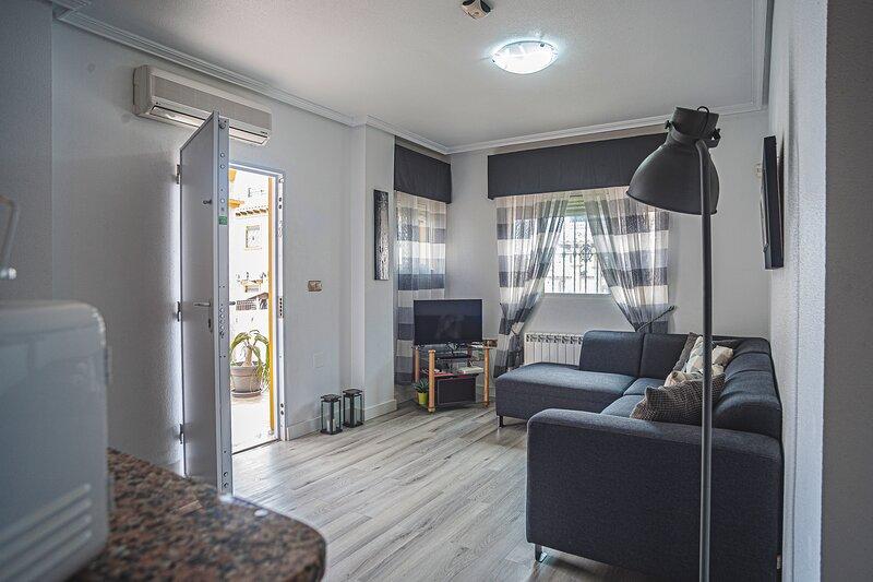 3 Bed Quad Villa, holiday rental in La Zenia