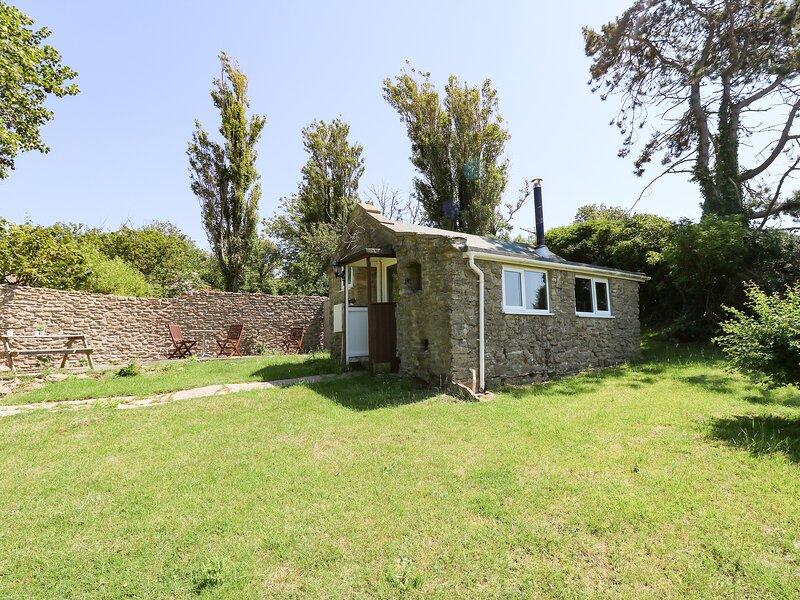 WASHINGPOOLS, sleeps 2, stone barn, close to the beach, West Bexington, vacation rental in Puncknowle