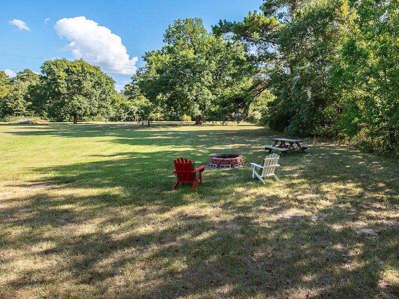 Tentrr Signature Site - Texas Glamp Camp, location de vacances à Pinehurst