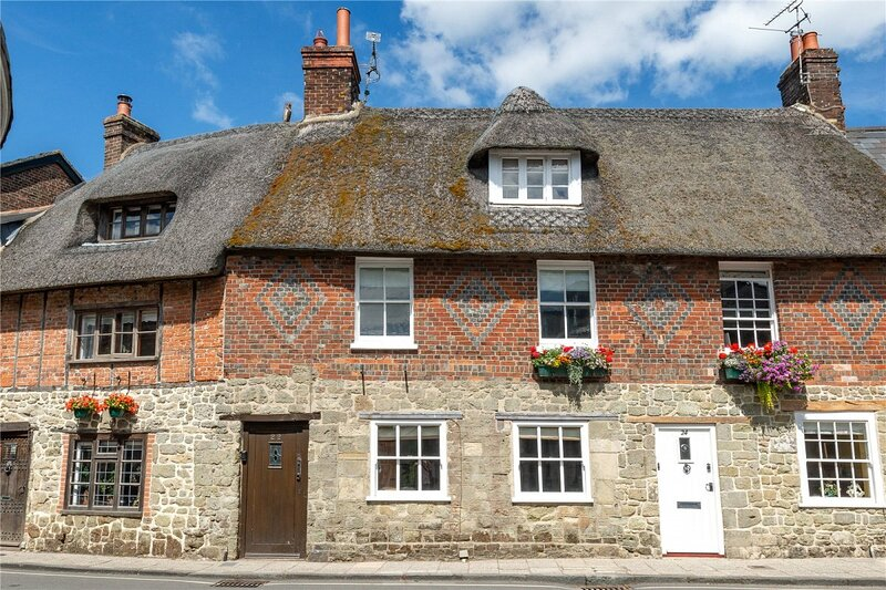 Cottage in the centre of Shaftesbury 4/5 guests, location de vacances à Bedchester