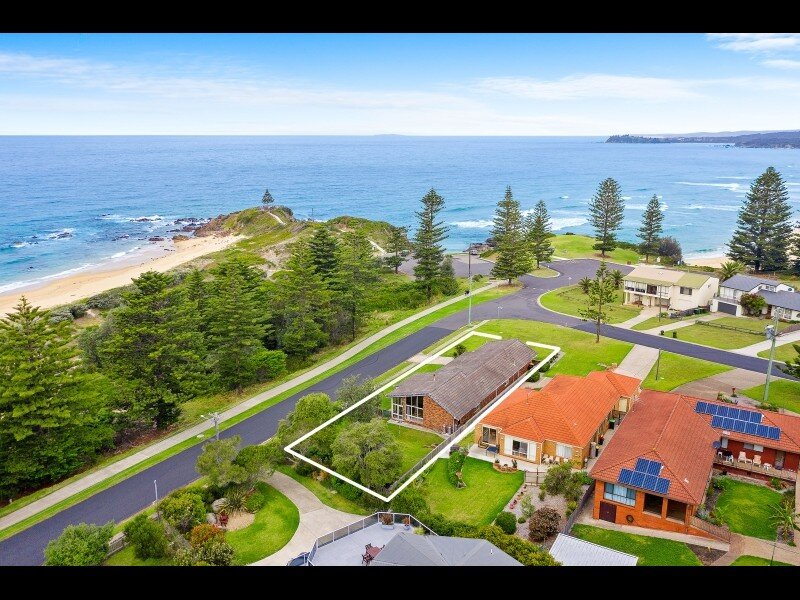 Beach Front Bungalow, holiday rental in Tuross Head