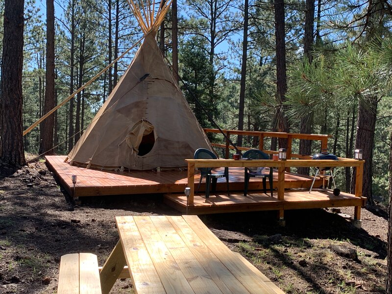 The Sprouted Grain Mountain Tipi, vacation rental in Ruidoso Downs