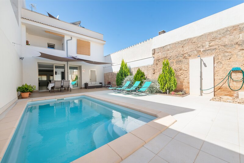 FONERS MALLORQUINS - Villa for 6 people in MURO, holiday rental in Muro
