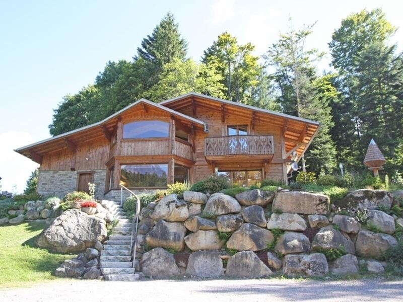 Chalet bois, holiday rental in Champdray