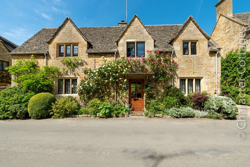 The Old Dairy is a beautiful Cotswold stone holiday home in idyllic Stanton, vacation rental in Temple Guiting