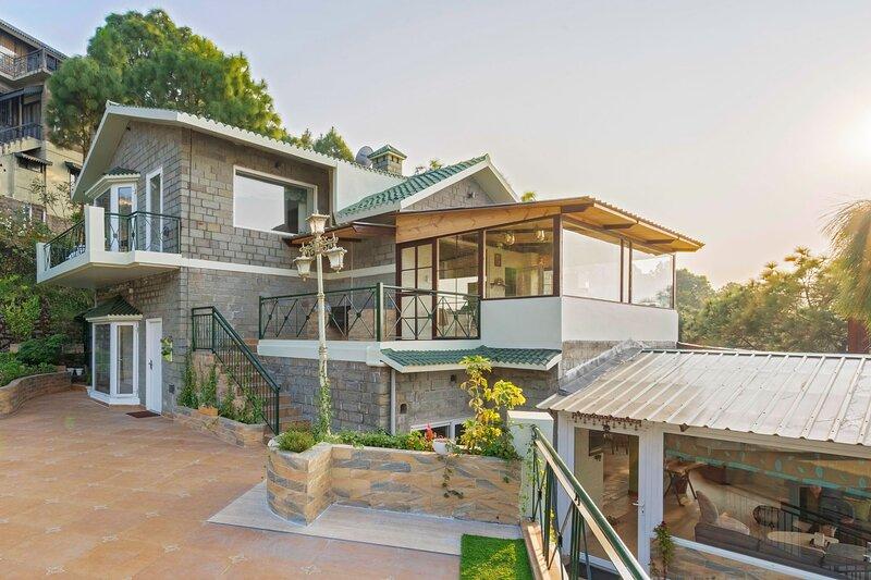The Zevog Villa by Vista Rooms, holiday rental in Manimajra