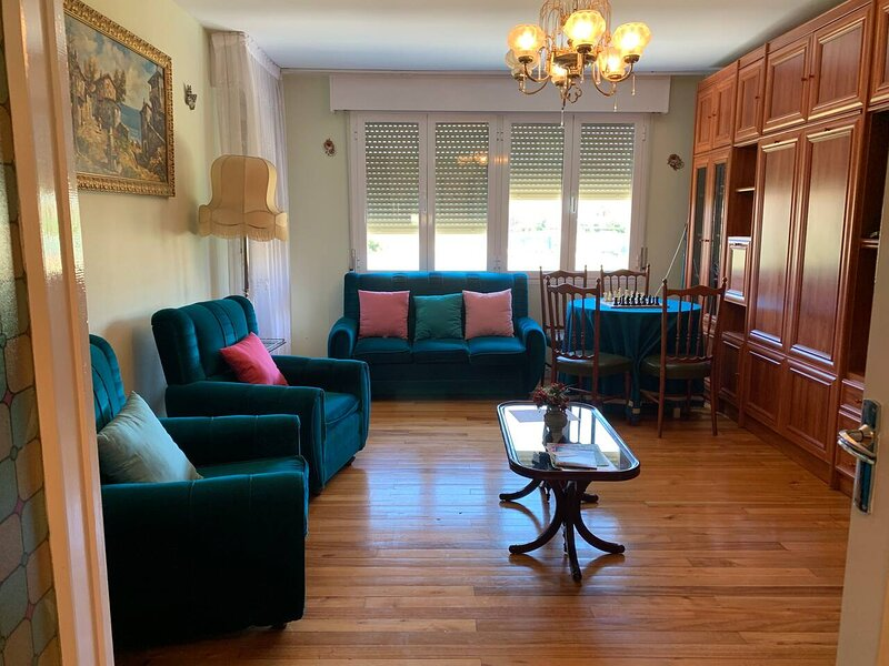 Amazing apartment in Villarcayo, holiday rental in Puente-Arenas
