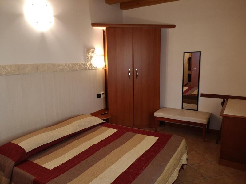 Ca Del Sasso double room, holiday rental in San Pancrazio