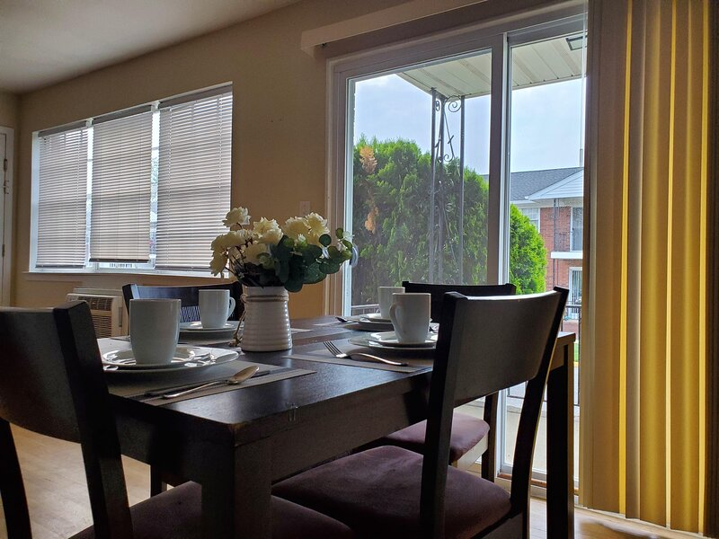NEW LISTING! Near Jersey Shore w/ Free WiFi & Easy Access to Local Activities, casa vacanza a Piscataway