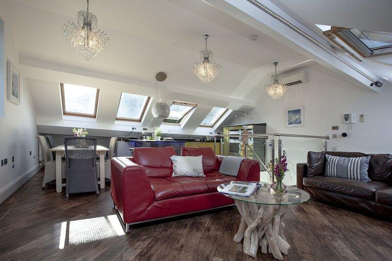 The Penthouse, 15 At The Beach, Torcross, casa vacanza a Stokenham