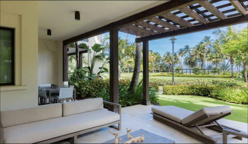 Villa Palmeras Luxury Ocean Front Villa at St. Regis Bahia Beach Resort, holiday rental in Cayey