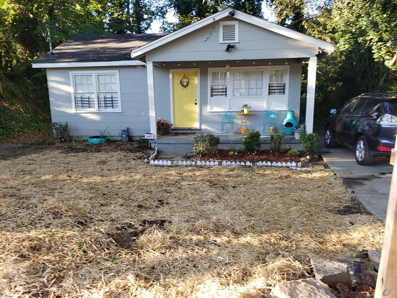Cozy ATL bungalow near all downtown attractions: Discounts 4 long stays, holiday rental in Atlanta