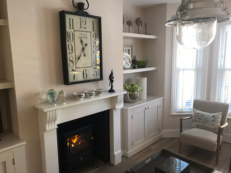 LOVELY HOUSE 5 MINS WALK FROM  SWANAGE TOWN, vacation rental in Langton Matravers
