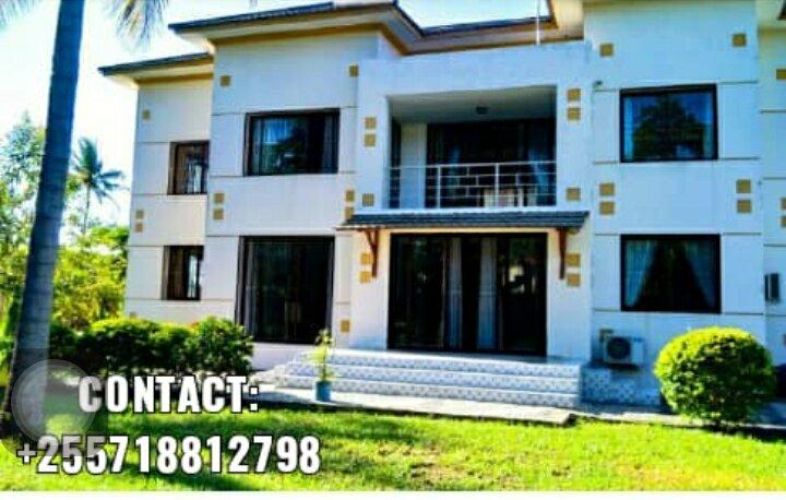 Seaside four bedroom house for rent, alquiler de vacaciones en Región de Dar es Salam