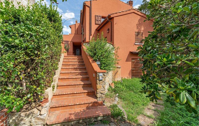 Casa dei Balestrucci (ITF050), vacation rental in Artimino