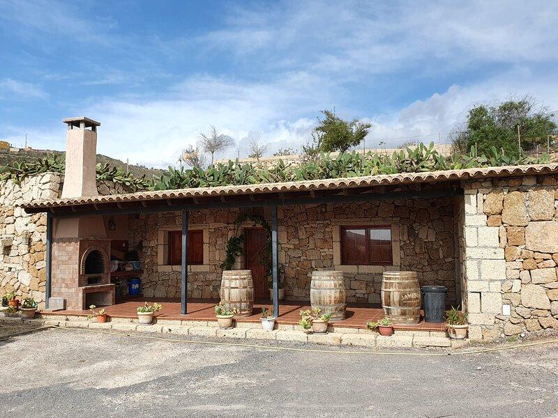 Bonita casa Cueva del Olivo, holiday rental in Chimiche