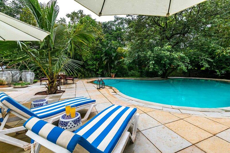 Kay Villa by Vista Rooms, vacation rental in Alibaug