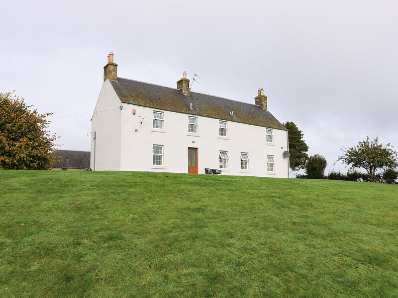 TODLAW FARM HOUSE, barn conversion with countryside views, Jedburgh, holiday rental in Jedburgh