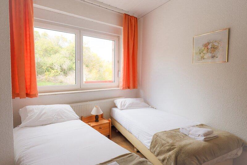 Süße Doppelzimmer in Ruhebereich, holiday rental in Harzgerode