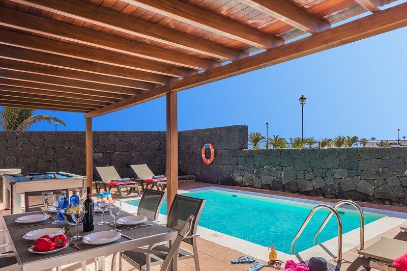 Blancazul Villa Yasmina, holiday rental in Playa Blanca