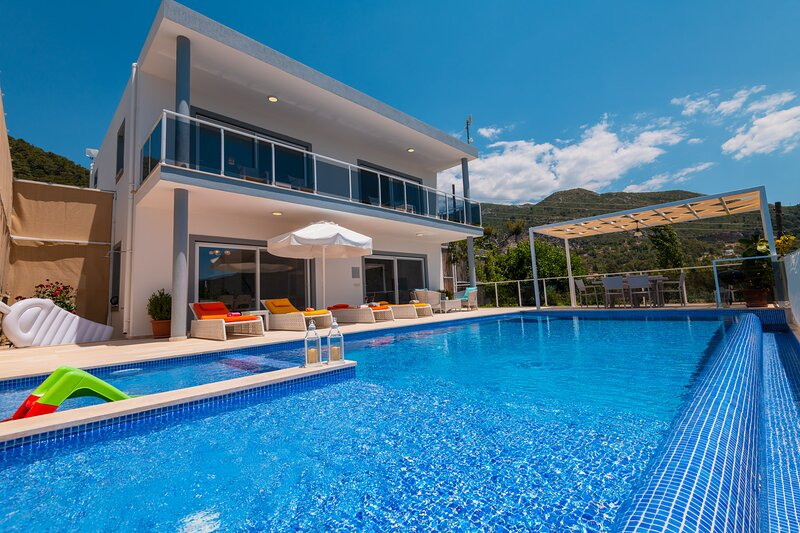 Villa Rudi Luxury Private Rental Villa Turkey With Seaview And Pirvate Pool, location de vacances à Antalya