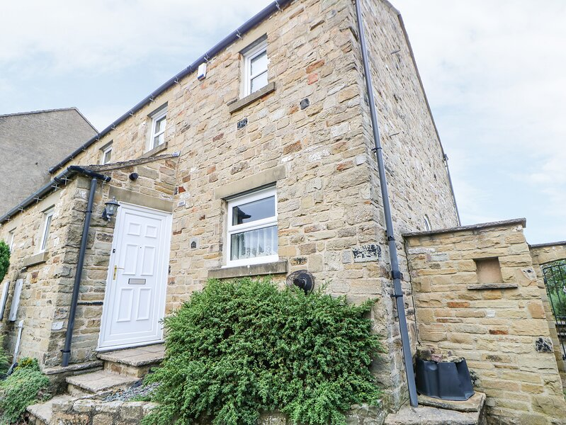 KELDA GARTHR (TRANQUIL GARDEN), WiFi, Woodburner, Enclosed patio area, Middleham, location de vacances à East Witton