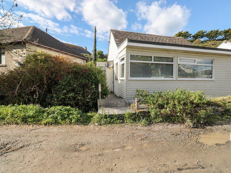DRIFTWOOD, ground floor, garden,WiFi, in Polzeath, Ref 922658, location de vacances à Trebetherick