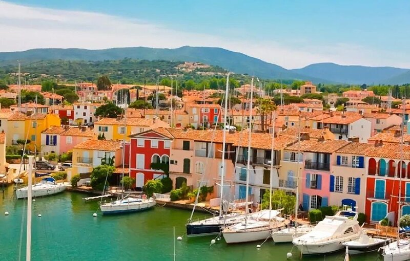 VILLAGE OF GRIMAUD-FRENCH PROVENCAL LUXURY WITH JAW DROPPING VIEWS OF ST TROPEZ, alquiler vacacional en Port Cogolin