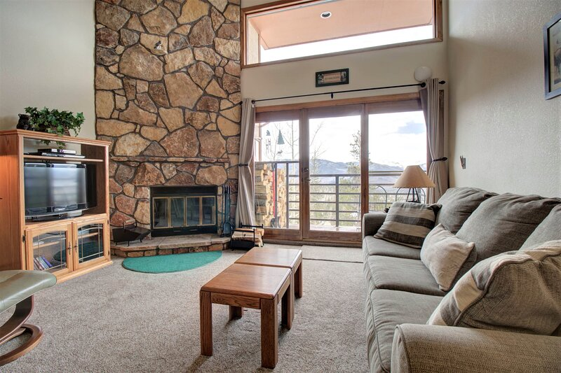 Cozy Ski Studio With Breathtaking Views!  DD402E, location de vacances à Silverthorne