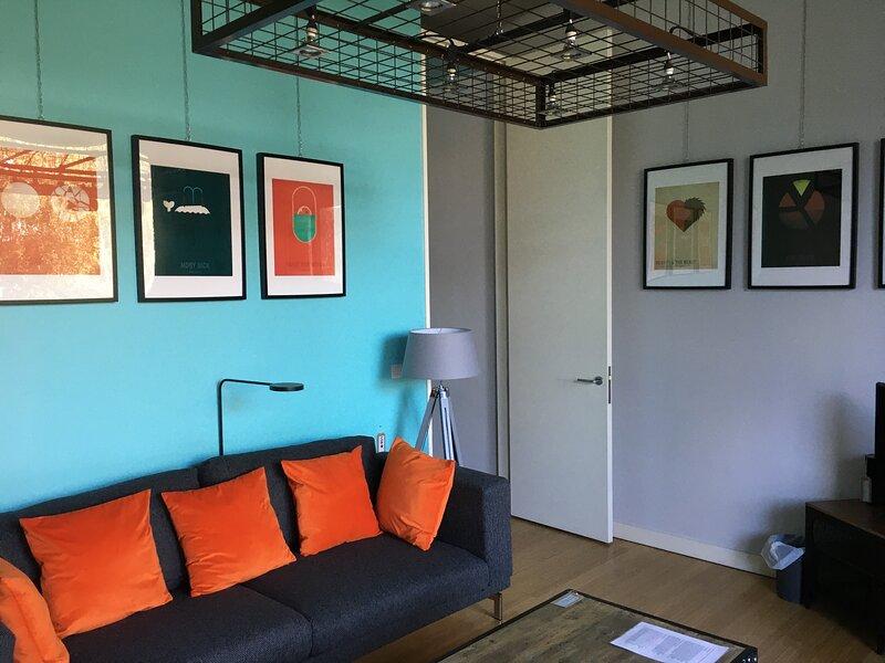 Contemporary Apartment (C), Cosy Balcony, Altrincham, holiday rental in Warrington