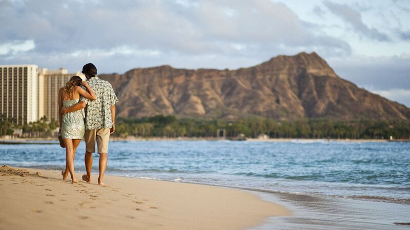Perfect Hawaii Vacation! 3 Gorgeous 2BR Units, Kitchen, Pool, Bar, alquiler de vacaciones en Kahala