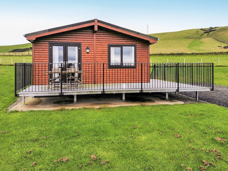Loch Leven Lodge 4, holiday rental in Falkland