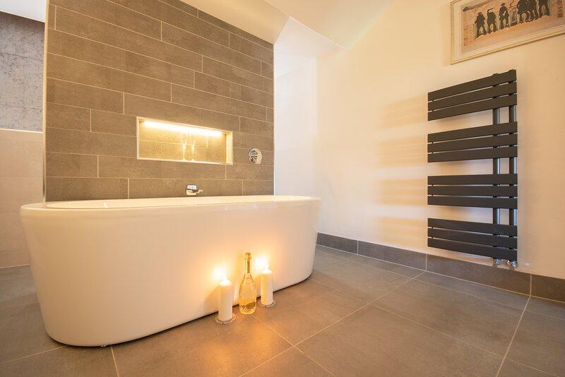 Dwellcome Home CONTRACTORS 44 Hartington SOUTH SHIELDS 4/5 Bedrooms, location de vacances à Tynemouth