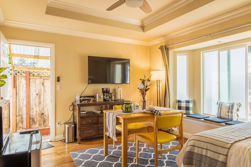 Lemon House - Cozy, In-Law Studio, vacation rental in Cupertino