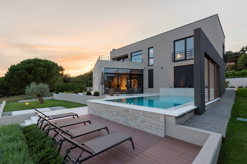 Beautiful Villa Calma Istra, with a Pool, holiday rental in Nedescina