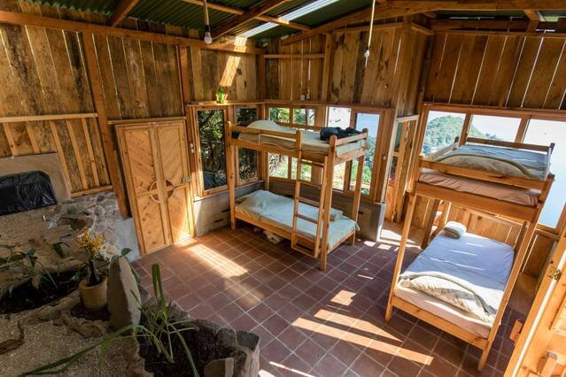Snake Cabin * Eagle's Nest, holiday rental in San Pedro La Laguna