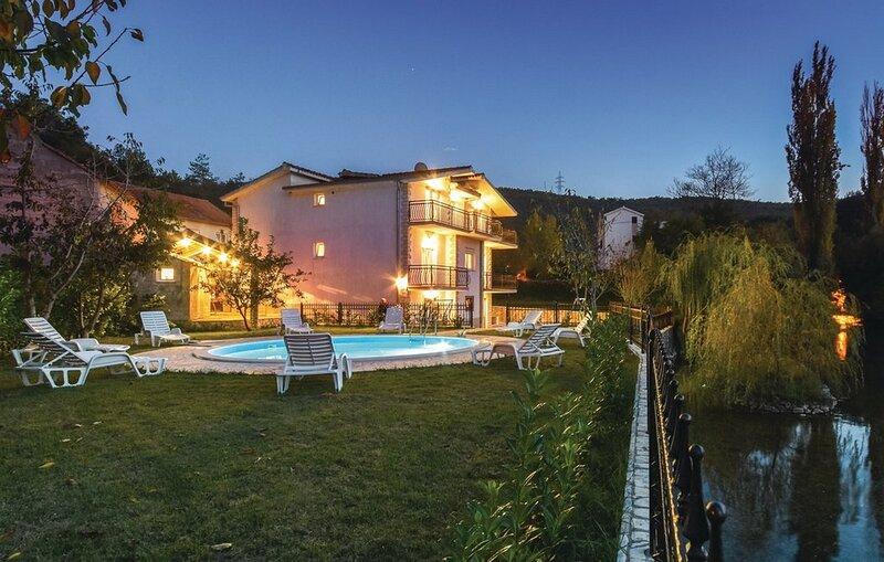 Villa Cascata, vacation rental in Vedrine