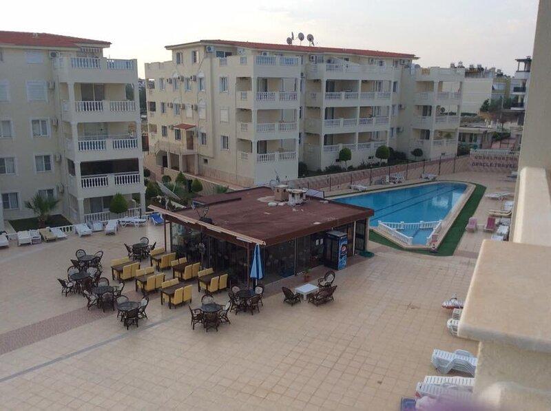 Amazing apt 10 min walk from main beach, DIDIM, TURKEY – semesterbostad i Altinkum