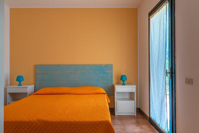 Appartamento Bilocale 2 persone I Mirti Bianchi, holiday rental in Capo Testa