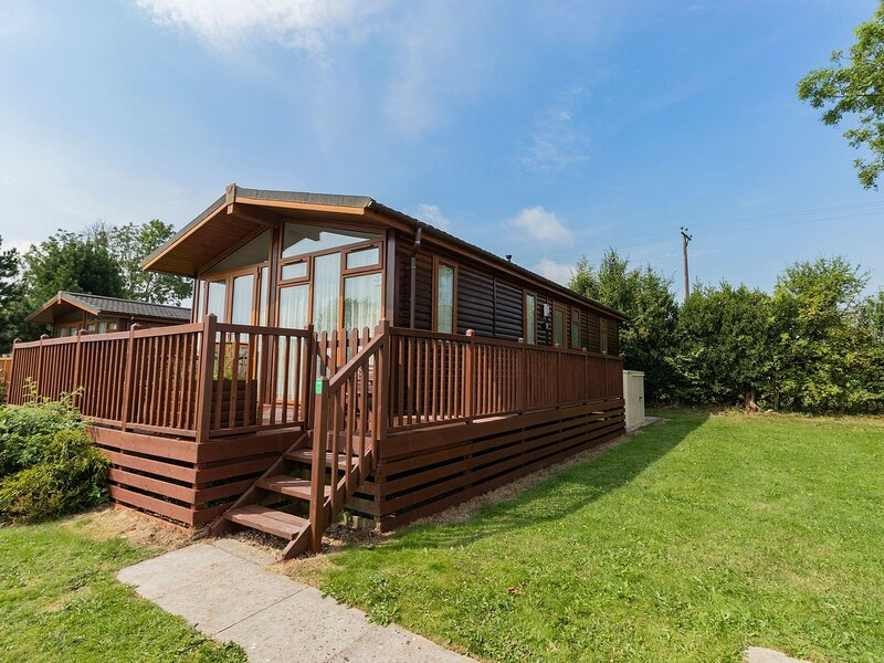Charming Holiday Home in Ashbourne with Balcony, vacation rental in Kniveton